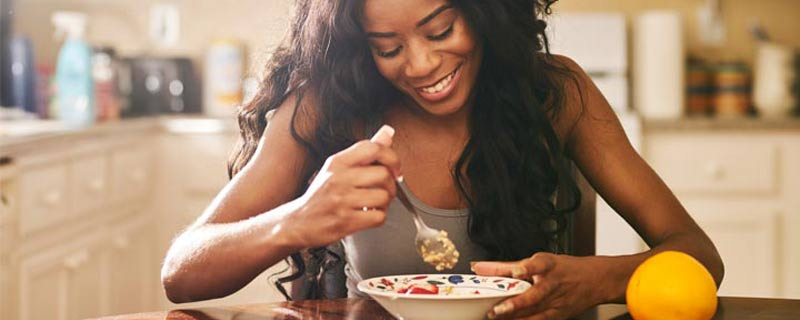 black-woman-eating-cereal