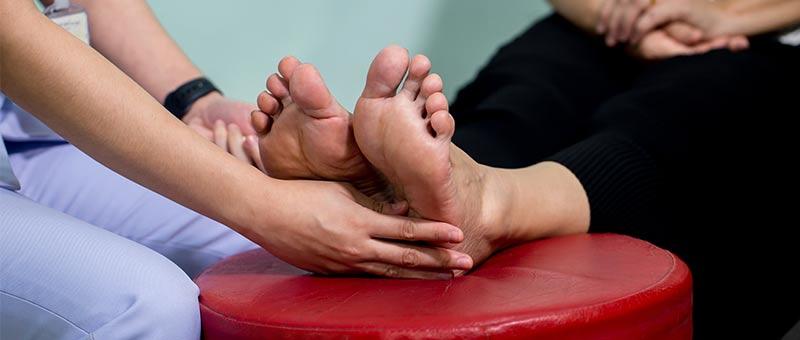 feet-examination