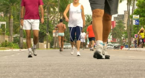 A Daily Walk Lowers Breast Cancer Risk