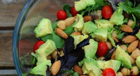 0-175972577-avocadosalad