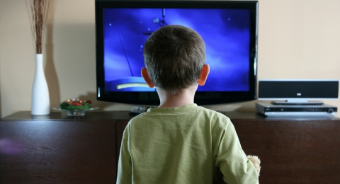 TV Time Linked with Less Sleep for Kids