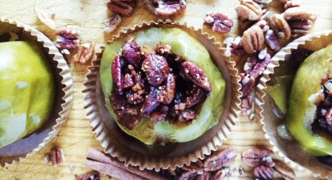 Slow Cooker Stuffed Apples with Figs