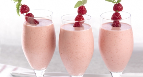 Raspberry Cheesecake Smoothie (Raw & Vegan!)