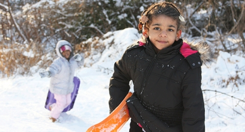 0-690351706-africanamerican-snow-fun