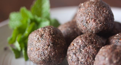 Gluten-Free Dairy-Free Mint Chocolate Snack Balls