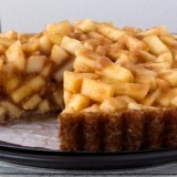 0-290575406-raw-carmel-apple-pie