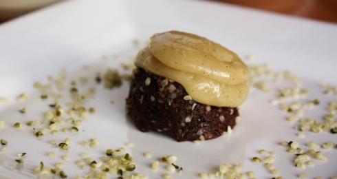 0-428150906-rawchocolatecupcakes
