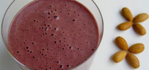 Raw Vegan Cherry Cinnamon Smoothie