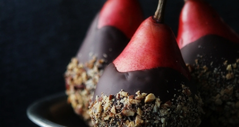 0-587583825-chocolate-dipped-pears