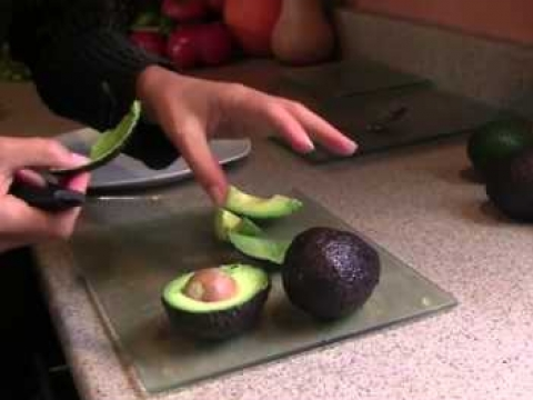 How to eat an Avocado