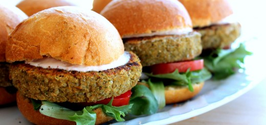 Tempeh Burgers With Sun-Dried Tomato Pesto