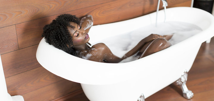 black-woman-in-bath