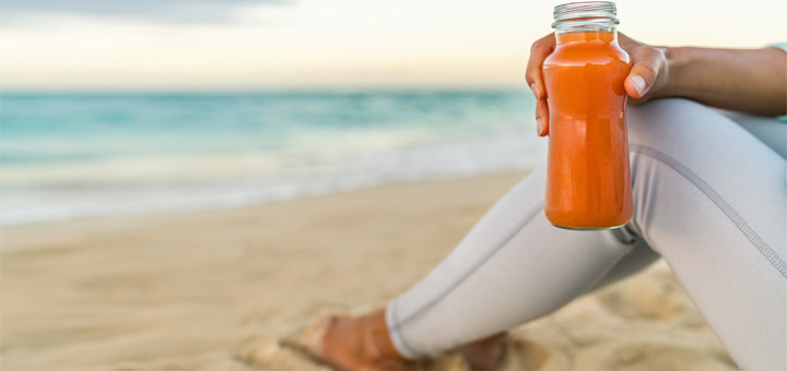carrot-juice-on-beach