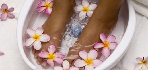 Homemade Foot Soak Recipes To Keep Your Feet Soft & Smooth