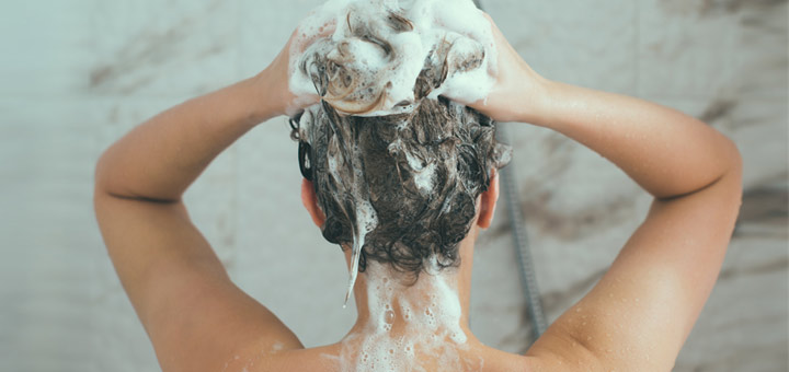 girl-shampooing-hair