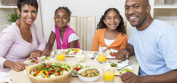 black-family-healthy-eating