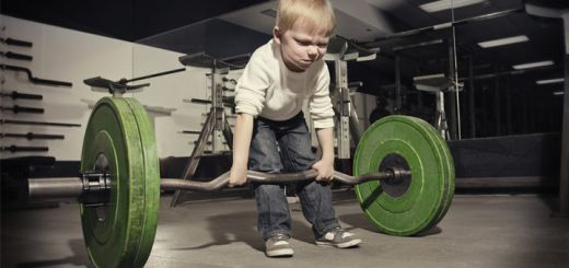 little-kid-lifting-weights