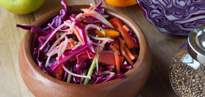 Spiralized Apple And Cabbage Slaw