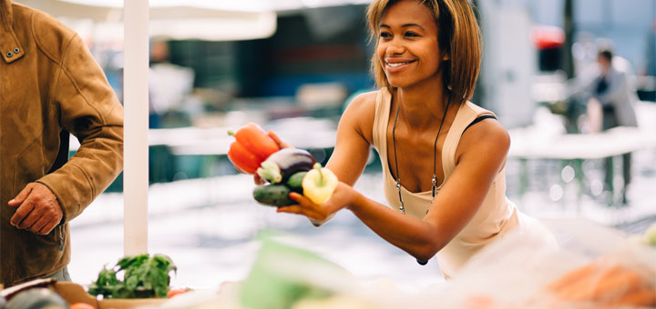 black-woman-buying-produce