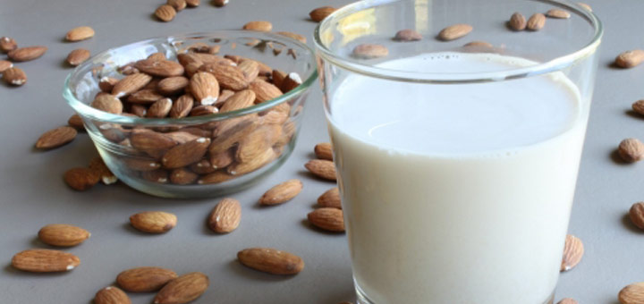 raw-almond-milk