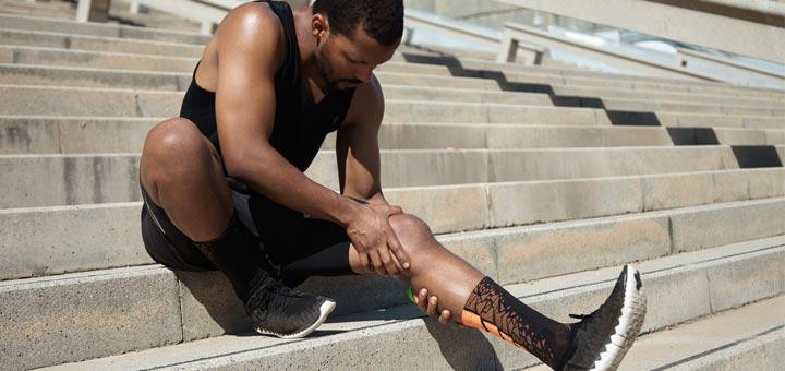 black-man-knee-pain