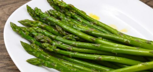 Boiled Asparagus With A Lemon Dijon Dressing