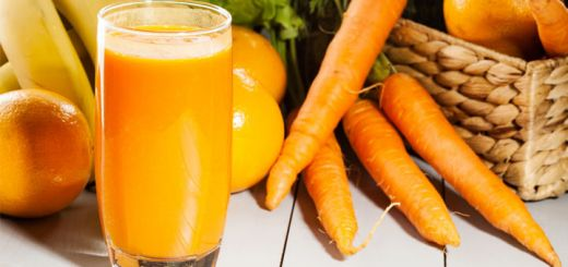 Healthy Carrot & Pineapple Smoothie With Bananas