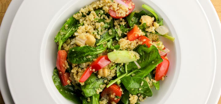 Spinach, Chickpea & Quinoa Salad With An Avocado Dressing