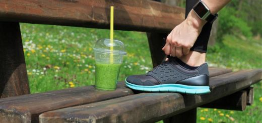 tying-shoe-smoothie