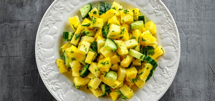 Refreshing Pineapple And Cucumber Salad