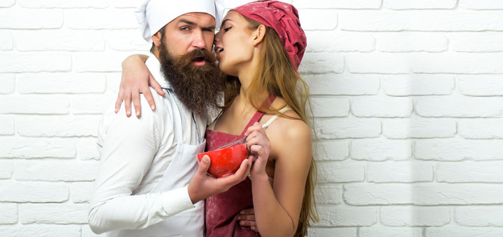 sexy-cooking-couple