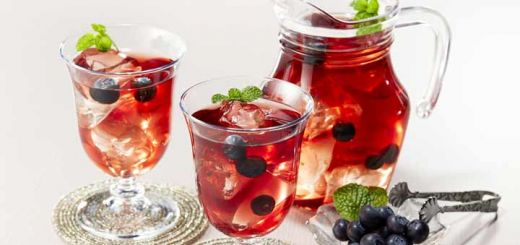 Blueberry Infused Green Tea That's Rich In Antioxidants