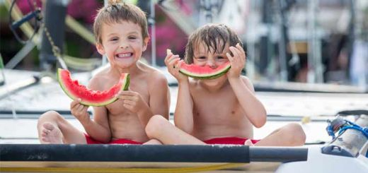 kids-eating-watermelon