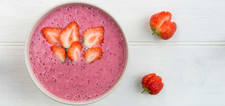 strawberry-smoothie-bowl