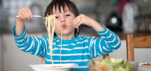 kid-eating-spaghetti