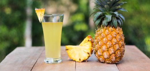 Cleansing Pineapple Juice That Removes Toxins