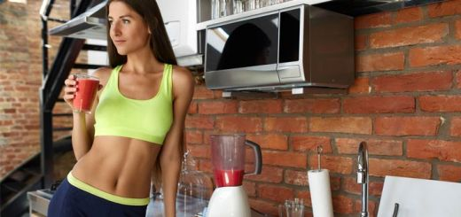 slim-woman-drinking-smoothie