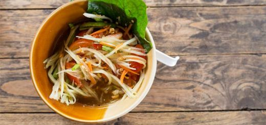 Sweet & Spicy Green Papaya Salad That's Raw & Vegan