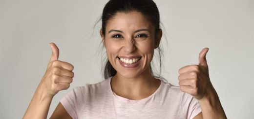 hispanic-woman-smile