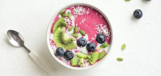 banana-berry-smoothie-bowl