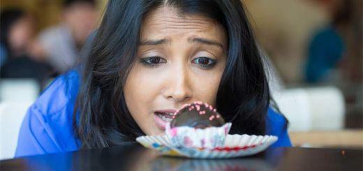 lady-staring-at-cupcake