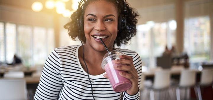 black-woman-headphones-smoothie