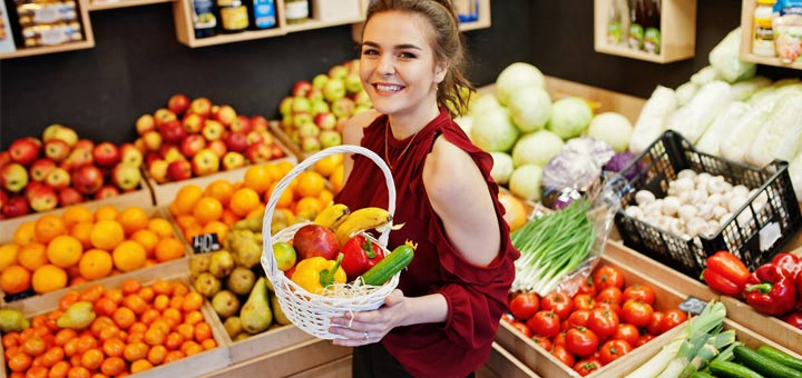 girl-at-produce-stand
