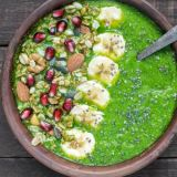 green-breakfast-smoothie-bowl