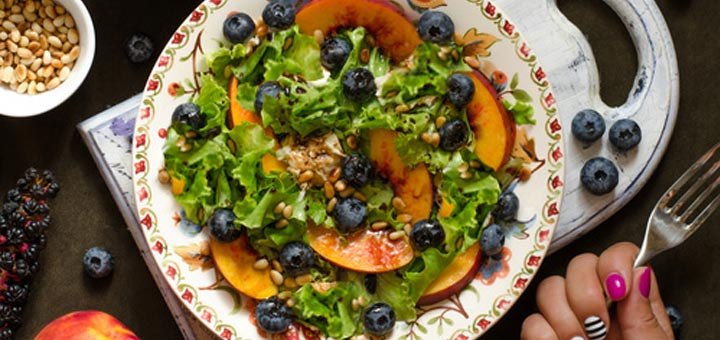 nectarine-blueberry-salad