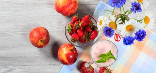 strawberry-nectarine-smoothie