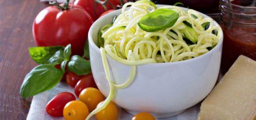 zucchini-noodle-bowl