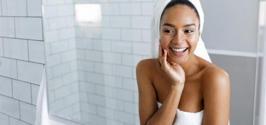 beautiful-woman-bathroom-mirror