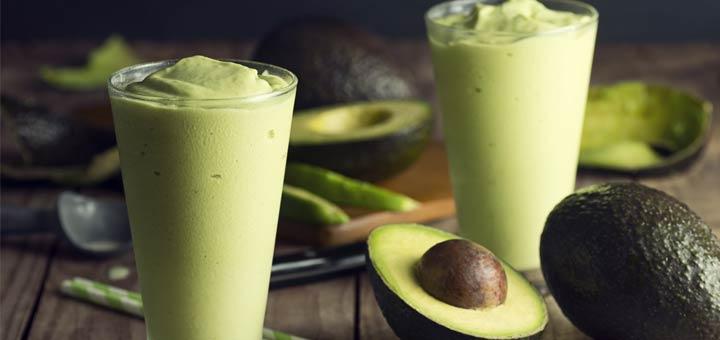 Tropical Smoothie With Avocado