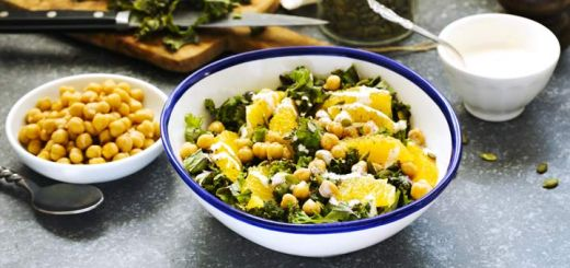 Lemony Kale Salad With Chickpeas